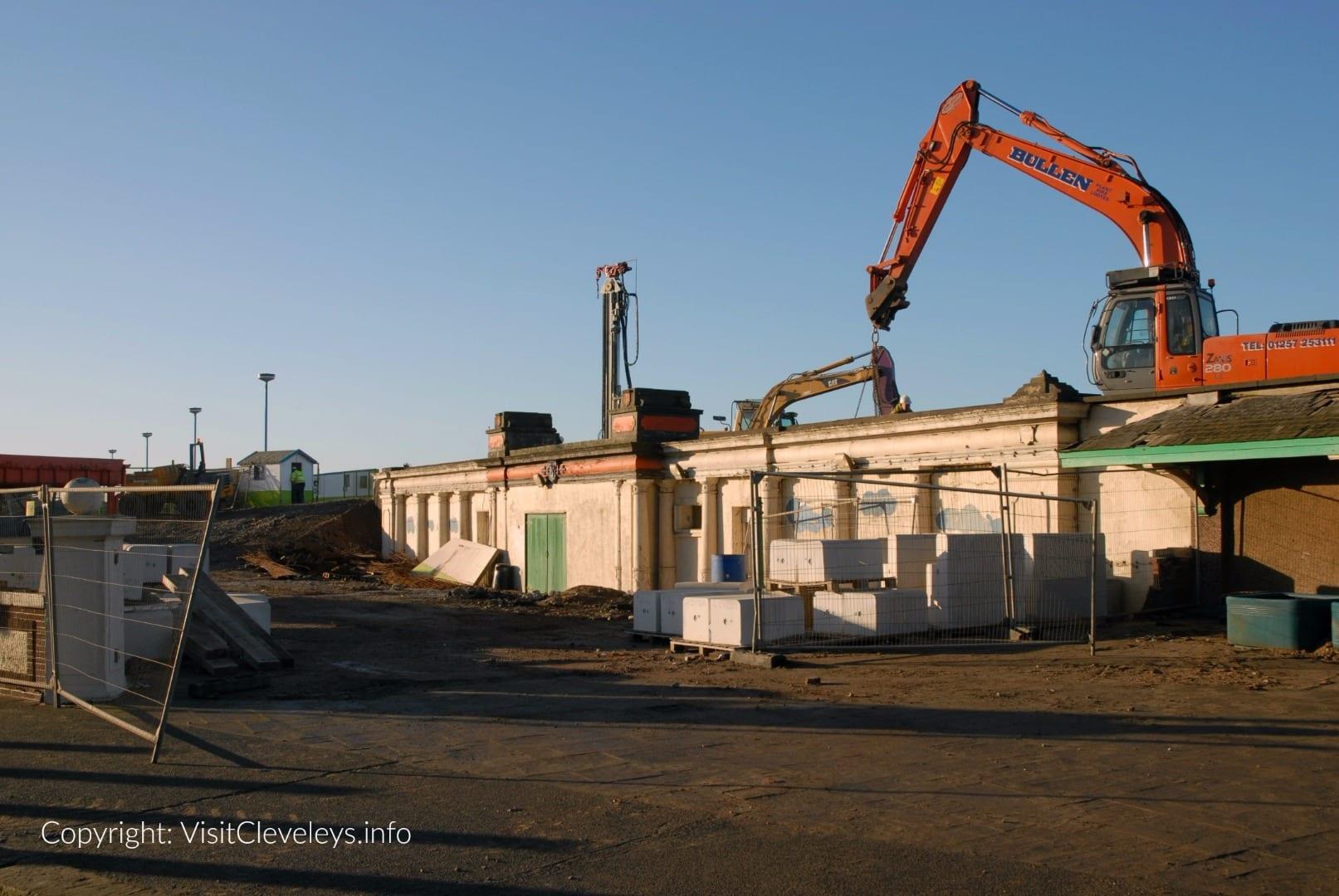 Building Cleveleys sea defences in 2007