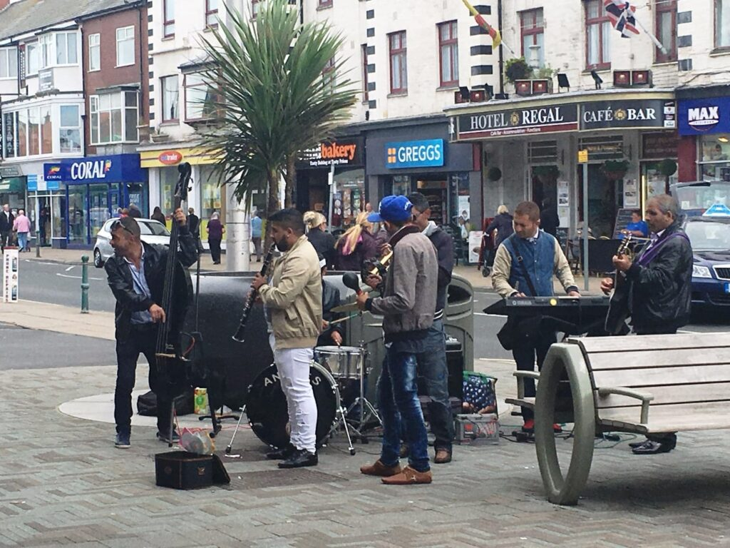 Buskers to entertain you while shopping in Cleveleys