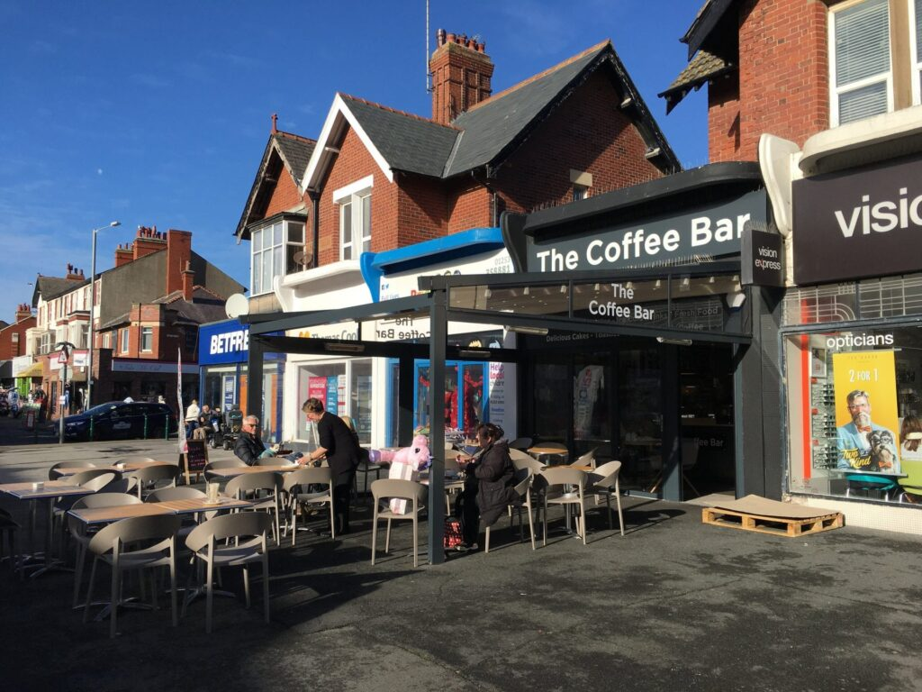 Pavement cafes - shopping in Cleveleys