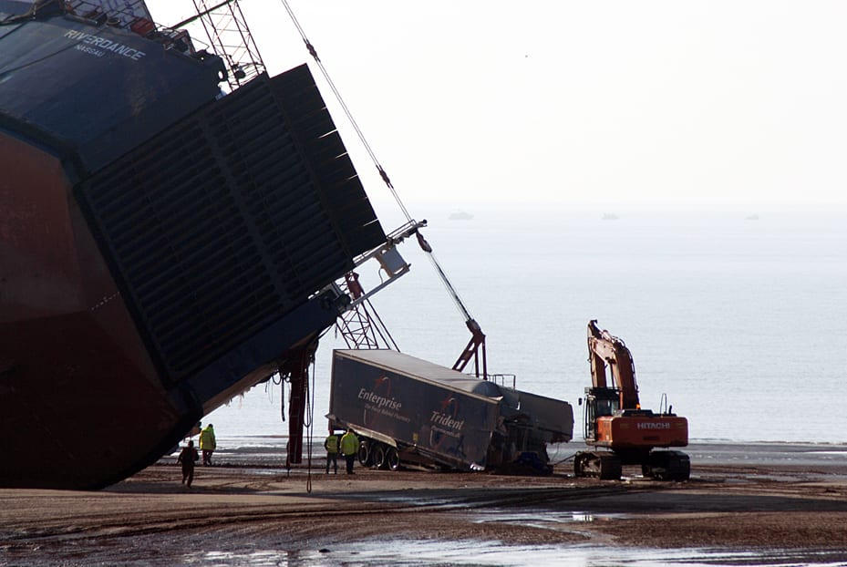 Removing cargo from the Riverdance shipwreck